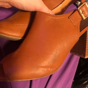 Old navy chunky heels (size 8)